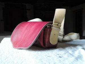 Red-colored leather Giberne