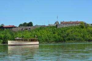Carillon boat tour