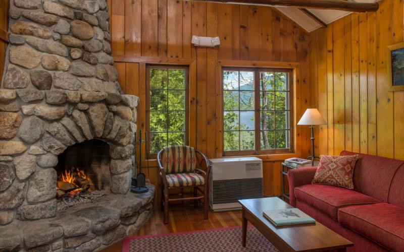 Elk Lake Lodge living space