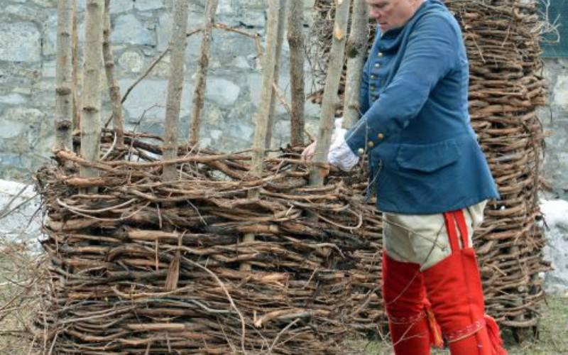 soldier building a gabion